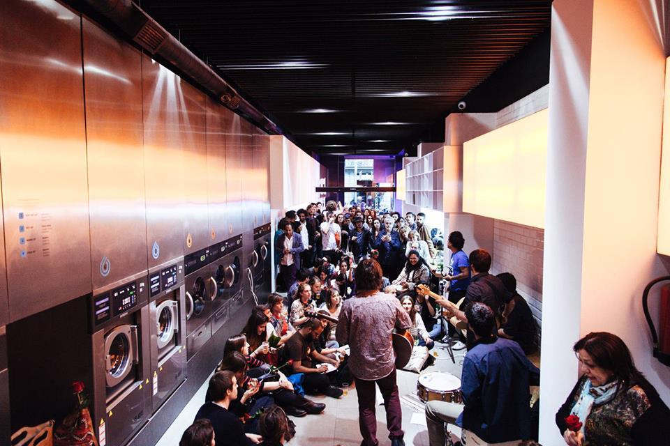Lavandería con musica en directo - Barcelona Paisaje otoñal escapada puente de diciembre